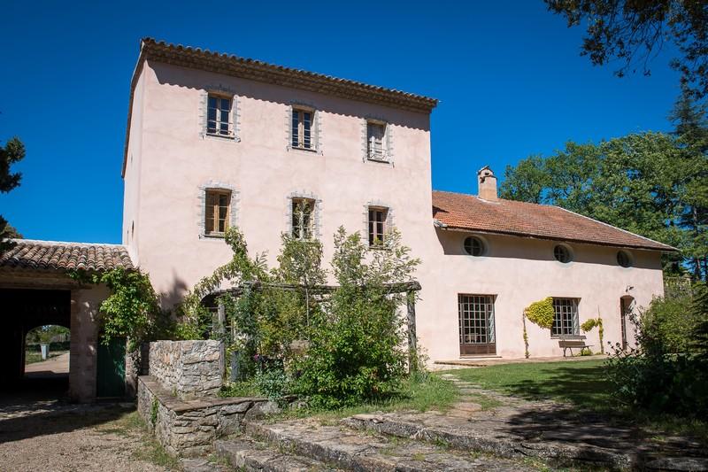 Maison d'hôtes de la Rouvière à Peyrassol